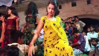 Tukur Tukur Dekhte Ho Kya julfe Teri Chehra Tera