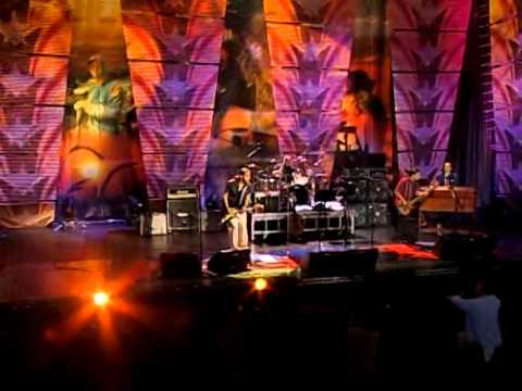 Los Lonely Boys - How Far Is Heaven (Live at Farm Aid 2006)
