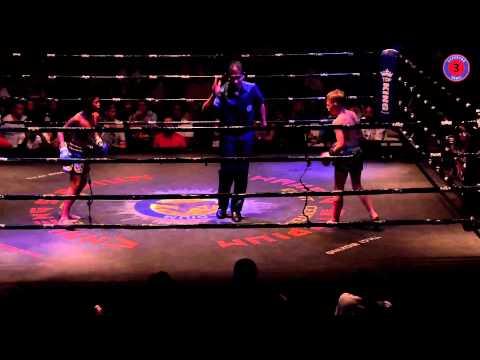 Muay Thai fighting  Riley vs Phetboonchu Thailand VS England 16