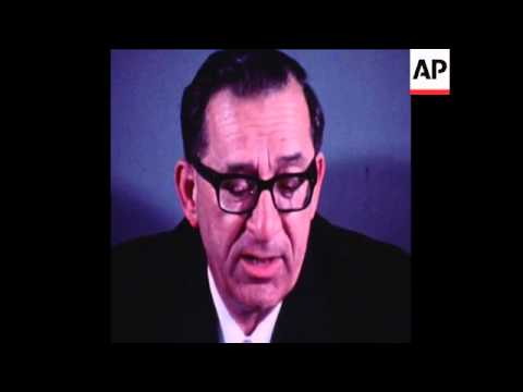 SYND 26-3-72 MALTESE PRIME MINISTER, MINTOFF, SIGNS DEFENCE AGREEMENT