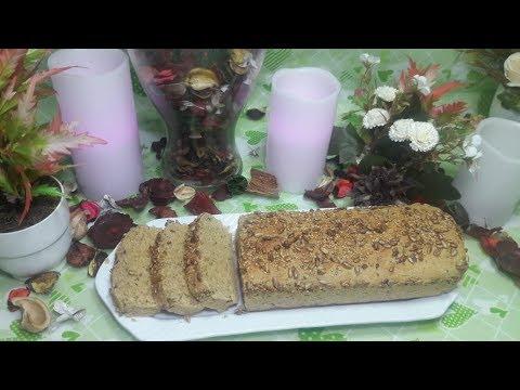 toast-très-sain-à-base-de-farine-de-blé,-farine-d'avoine,-grain-de-chia-et-grain-de-lin
