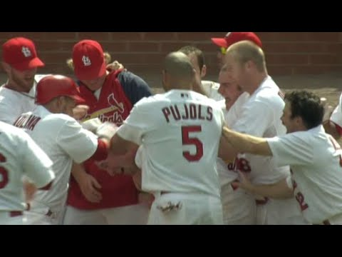Ludwick smashes a walk-off homer to center