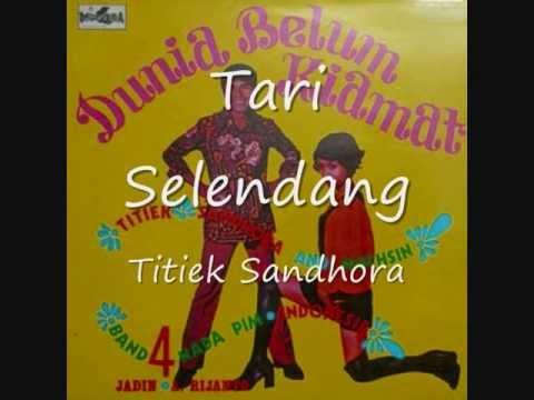 Tari Selendang   titiek Sandhora & Muchsin