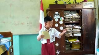 video ariel membaca puisi deklarasi cahaya 1