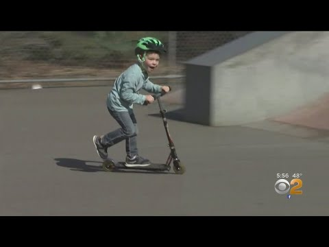 Tige and Daniel - Group Of Teens Taught a 5-year-old boy With Autism How To Ride A Skateboard
