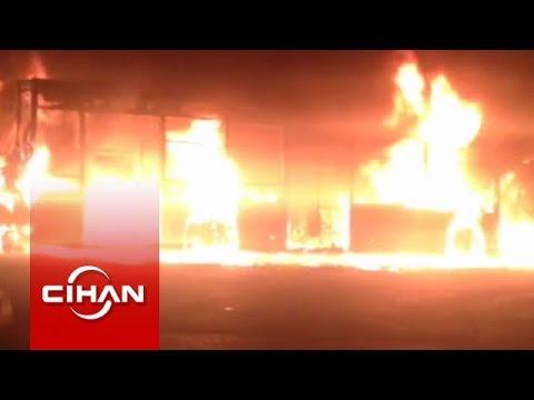 Molotof atılan belediye otobüsü alev alev yandı