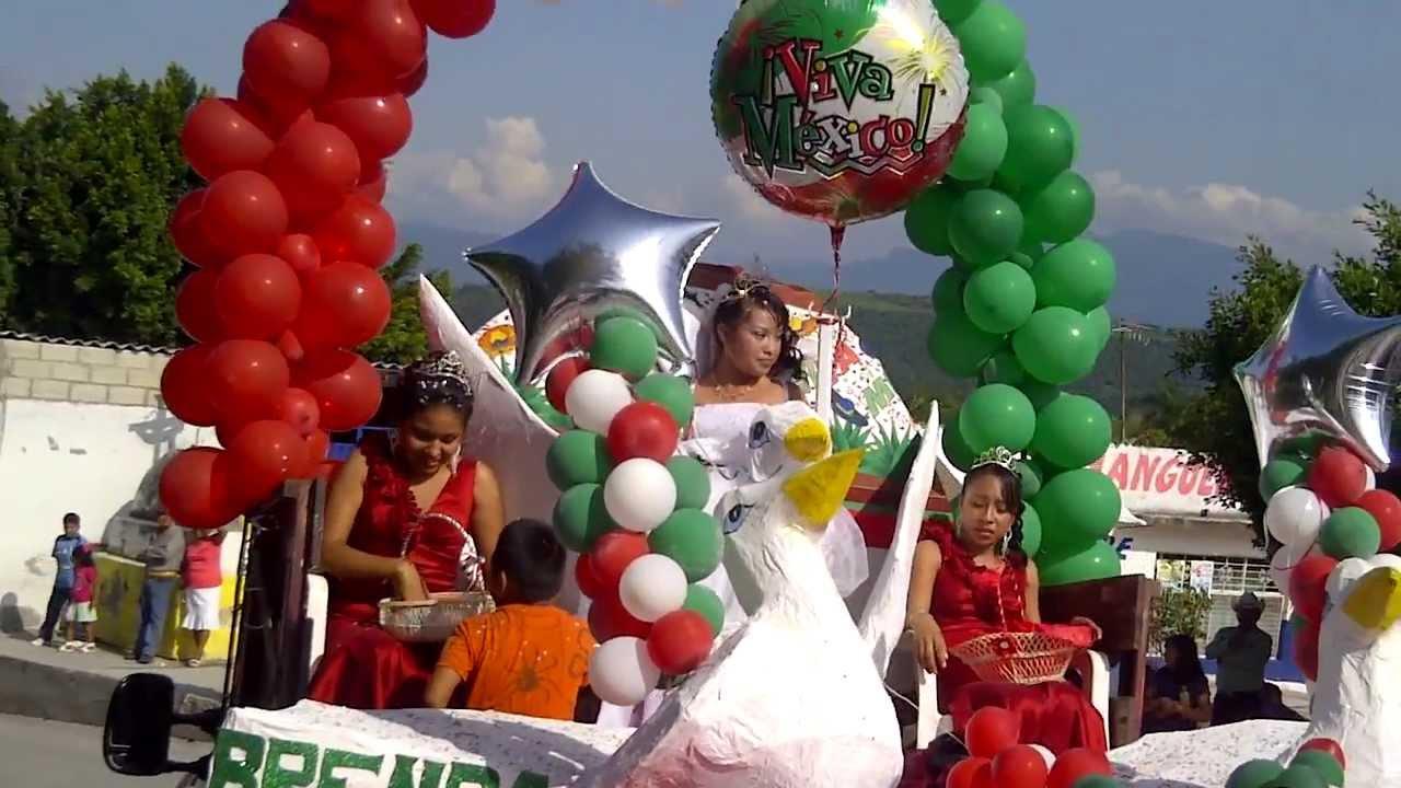Puerta Decorada De Carnaval
