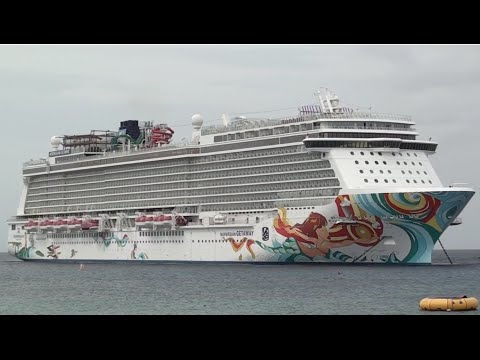 Norwegian Getaway anchored in Georgetown Grand Cayman
