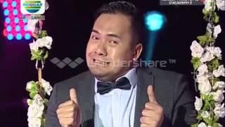 Saiful jamil main ayunan anak anak sambil tepuk tangan