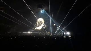 Roger Waters (live) Cries at Audience Response - Us & Them Tour - 08/02/17