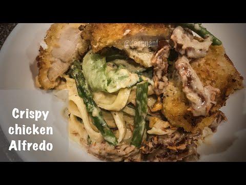 Crispy chicken and veggie fettuccine Alfredo