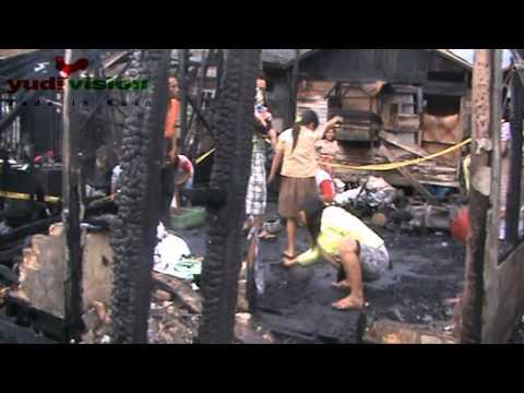 Di Antara Puing Kebakaran Di Kuin Utara Banjarmasin