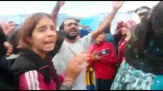 لاجئة سورية  بمعبر بني انصار تتهم عون سلطة بتنظيم الهجرة السرية نحو مليلية بمقابل مالي قدره 1200 يورو للفرد
