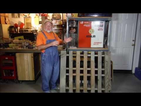 Easy Diy Yard Tool Storage From One Pallet The Diy