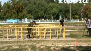 Как бойцы спецназа проходят полосу препятствий