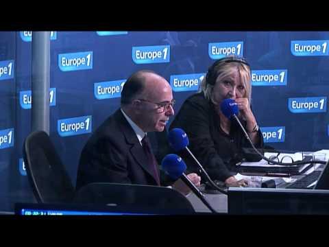 """Bernard Cazeneuve: """"le pays doit être rassemblé, uni"""""""