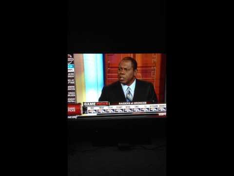 Tom Jackson gets mad over scoreboard