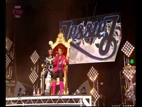 Jessie J ft Shay - Price Tag    -   Glastonbury Festival 2011