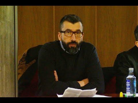 El acusado César Adrio durante el juicio por el asesinato de Ana Enjamio en la Audiencia de Vigo