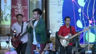 Summarecon Mal Bekasi - VIDI ALDIANO Live at December Fairytale