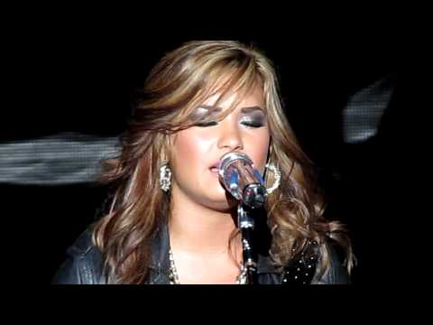 Catch Me/Don't Forget - Demi Lovato - Mountain View, CA - 09/18/2010