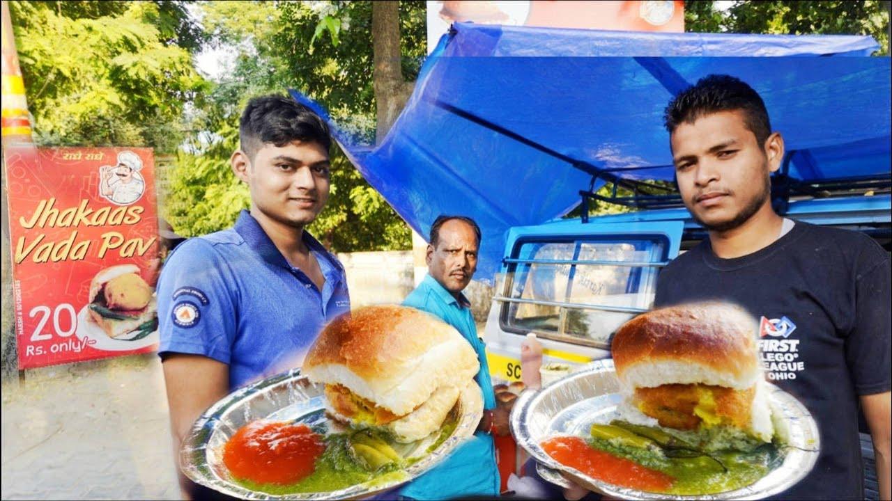 Download 20 Rs - Street Vada Pav Eating Challenge | One Man Selling Vada Pav On School Van | Food Challenge