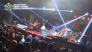 malam biru cover Sandhy Soendhoro by Xmove band