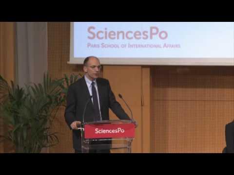 Juppé, Védrine et Villepin parlent de politique étrangère