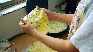 【小胖在西北】1碗面粉,3个鸡蛋,锅里一倒,轻松解决全家早餐,柔软劲道