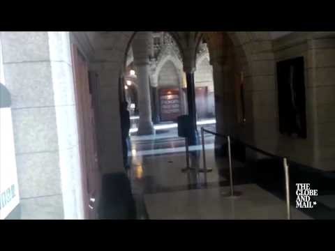 Footage from Globe reporter captures police sweeping Parliament Hill