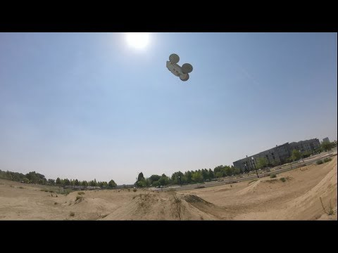 "Proline ProMT 4x4 ""Going Nuts"" Testing Castle Sidewinder 8th Combo..."