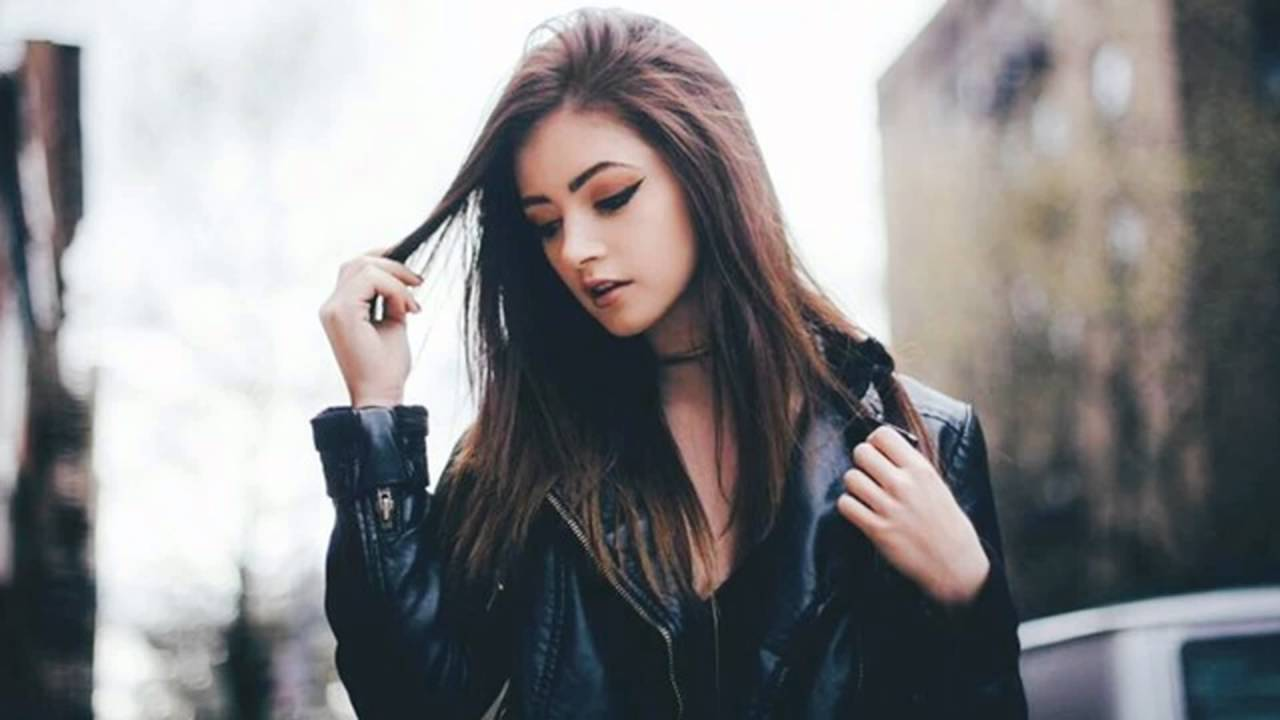Free download 22 chrissy costanza and michael