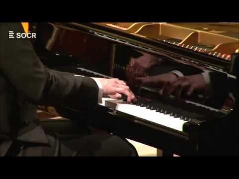 Robert Schumann: Koncert pro klavír a orchestr a moll (HD)