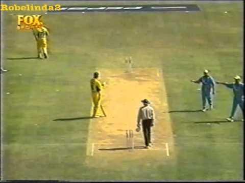 Funny cricket run out, India vs Australia 2001 Pune streaming vf