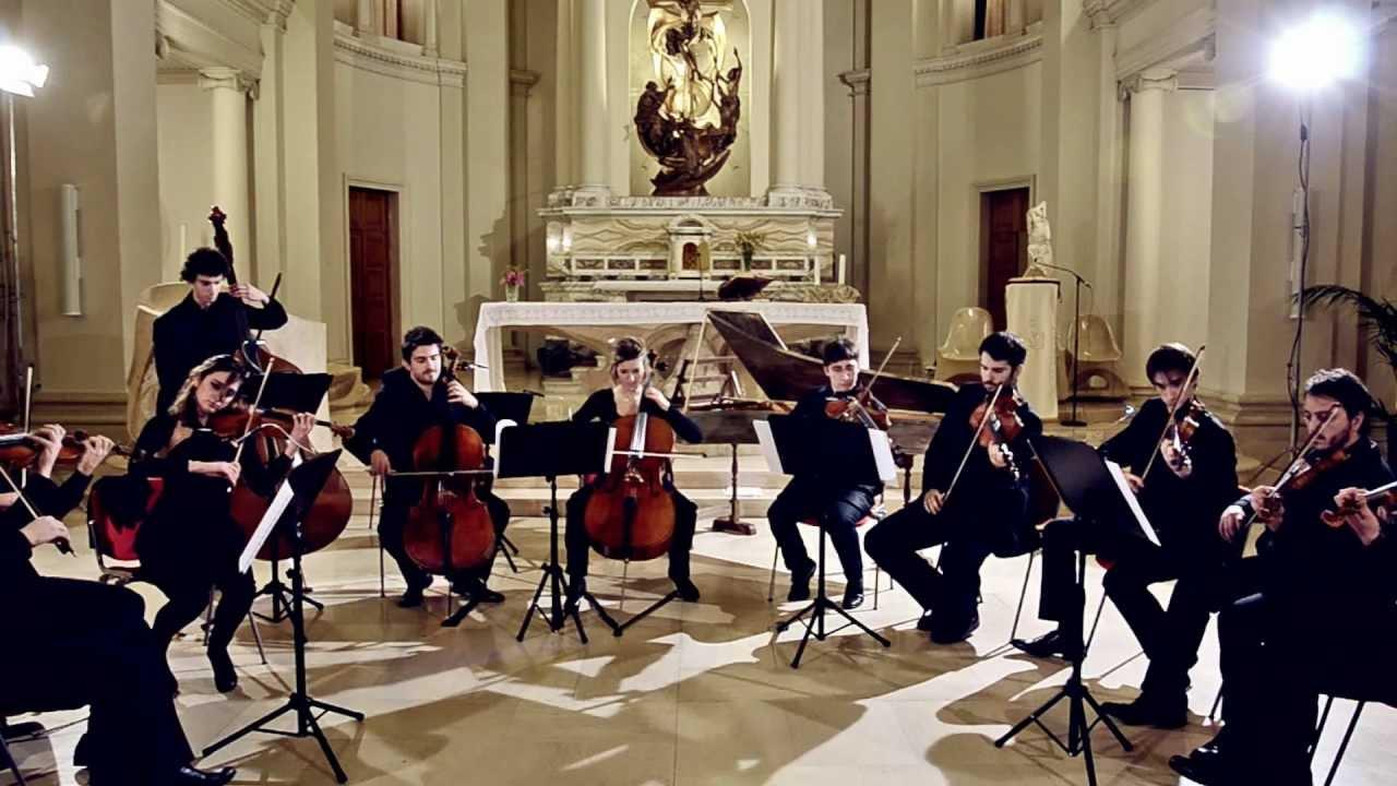 Benjamin Britten: Simple Symphony Op.4 (I Mov. Boisterous Bourrée)