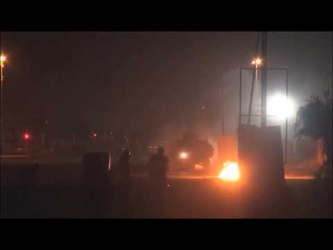 Bahrain : Protesters Defend Their Village From Riot Police APC Attacks