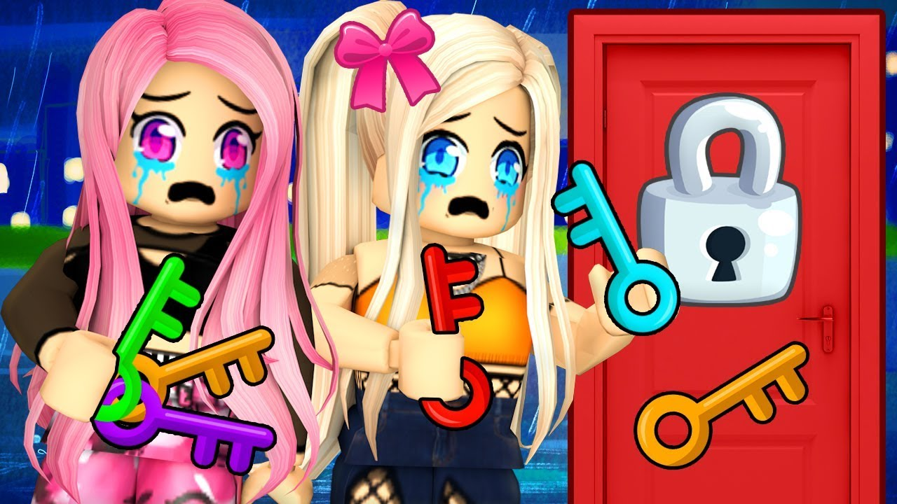 Itsfunneh Roblox Piggy Mall One Key Opens This Door Roblox Elimination Tower Youtube