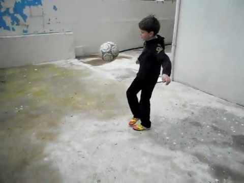 Football FreeStyle kid Sam Najjar