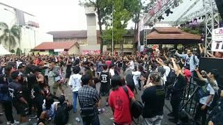 "Video ""Wall Of Death"" at Noxa Fest 3, Bulungan Outdoor - Jakarta Selatan download MP3, 3GP, MP4, WEBM, AVI, FLV Agustus 2018"
