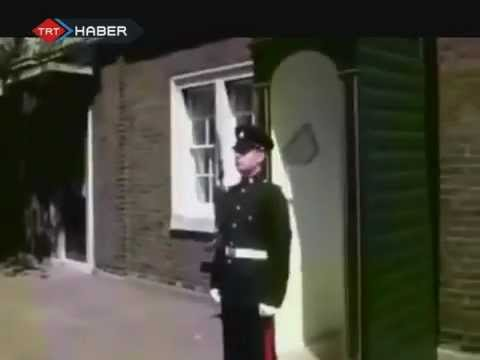 how-to-make-a-royal-guard-laugh-!-[hd]-very-funny