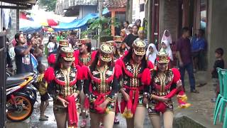 Video Dolalak Dewi Arum, di Panawaren, Sigaluh, Banjarnegara, video 1 - 17. Tgl. 13 Desember 2018 download MP3, 3GP, MP4, WEBM, AVI, FLV Agustus 2019
