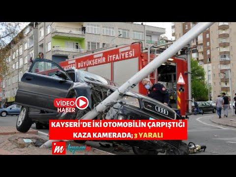 Kayseri'de iki otomobilin çarpıştığı kaza kamerada; 3 yaralı