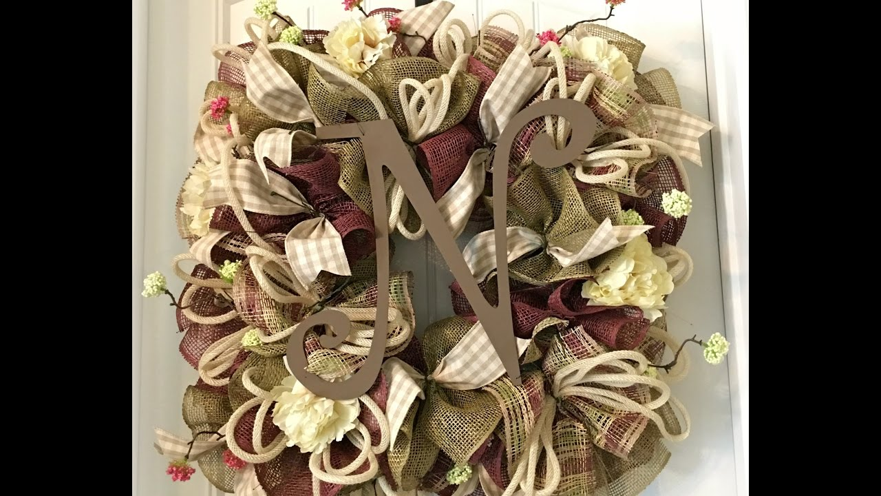 How to make a wreath with burlap mesh