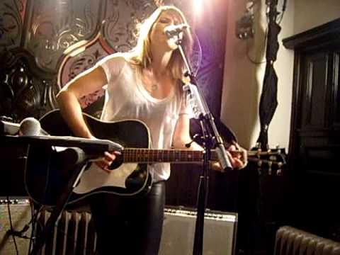 'Still A Weirdo' - KT Tunstall live at MacSorley's, Glasgow 18th June 2010