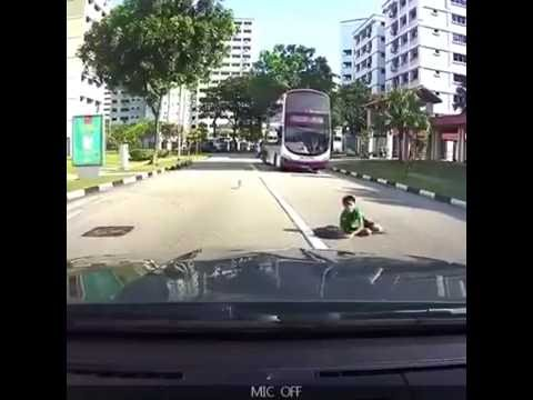 Boy that was bang by car,adapt by singapore news