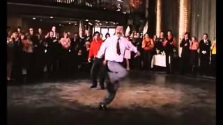танец в ресторане видео