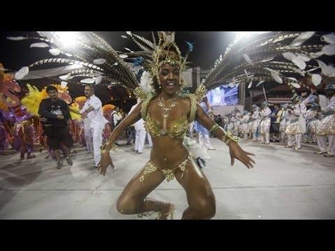 dcfa09bd3915 Entre bailes comienza el carnaval de Río de Janeiro, Brasil (VIDEO)