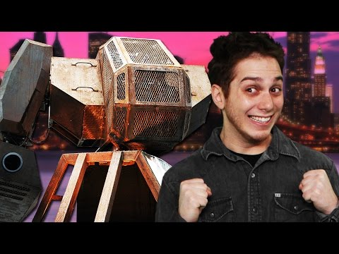 RIDING A MECH AT NEW YORK COMIC-CON (Smosh Games Field Trip)