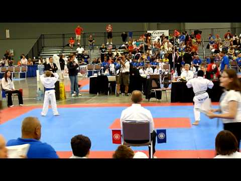 Sam Herald (red) AAU 2011 Forms 4 (for Gold)