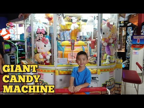 Giant Candy Chocolate Skill Tester Machine Arcade Games Fun Claw Machine At Timezone